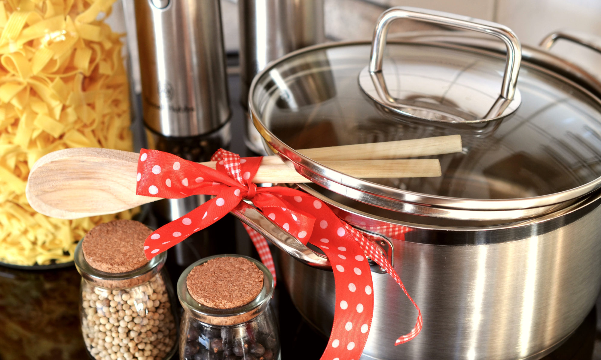 Urządzenia, które pomogą Ci w kuchni